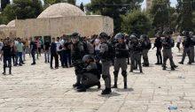 İsrail polisi, Mescid-i Aksa'ya ses bombalarıyla saldırdı