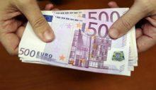 Güney Kıbrıs'taki Çalışanların Yarısı Bin 500 Euro'dan Az Maaş Alıyor