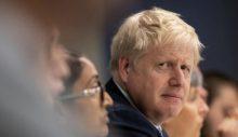 Boris Johnson 3 bakanı görevden aldı