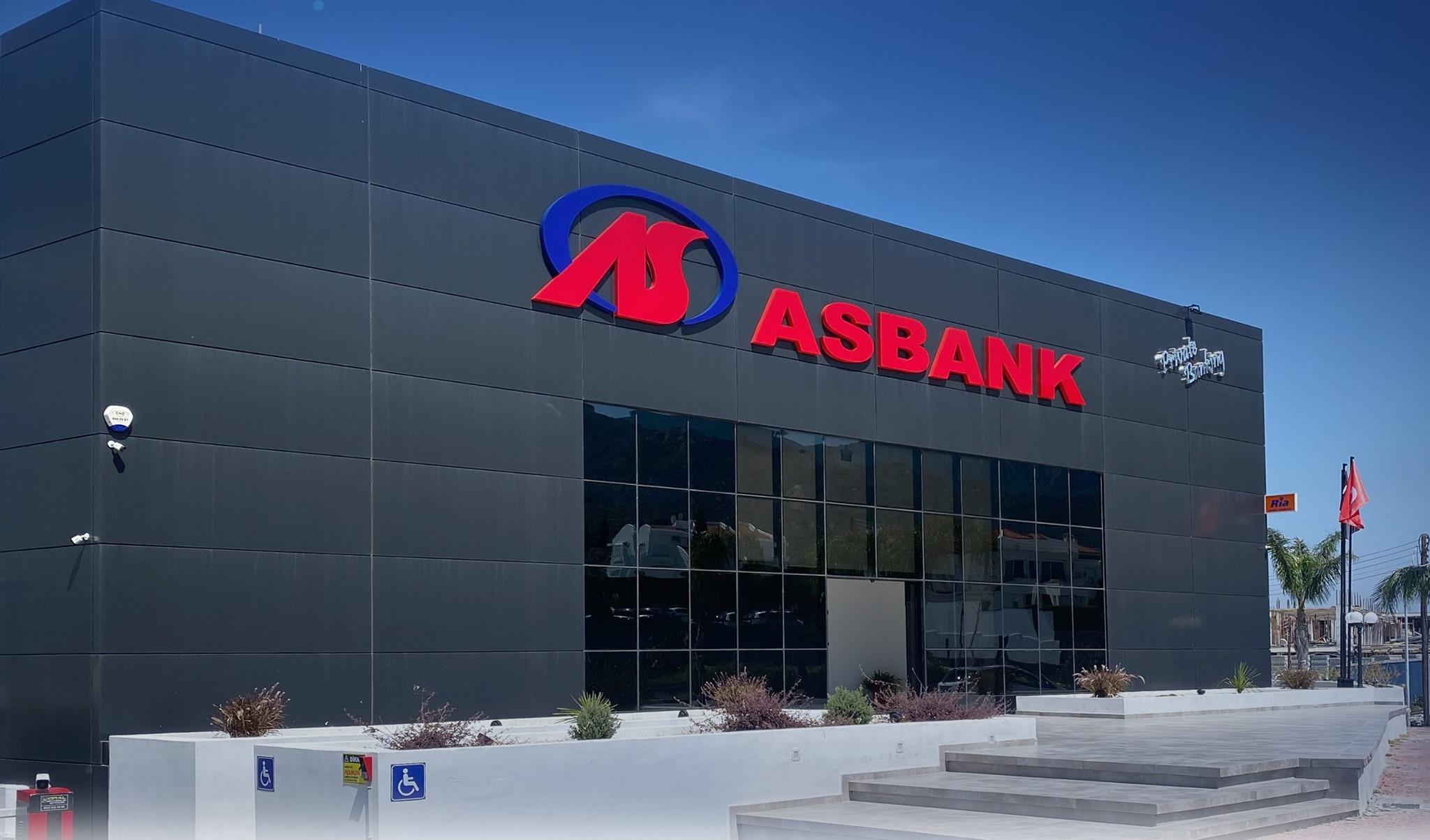Asbank Girne Şubesi'nin yeni binası düzenlenen törenle açıldı